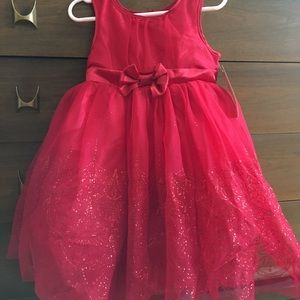 Adorable Girl's Red Party Dress. NWT. 4T